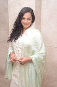 nithya menon new glam gallery-thumbnail-16