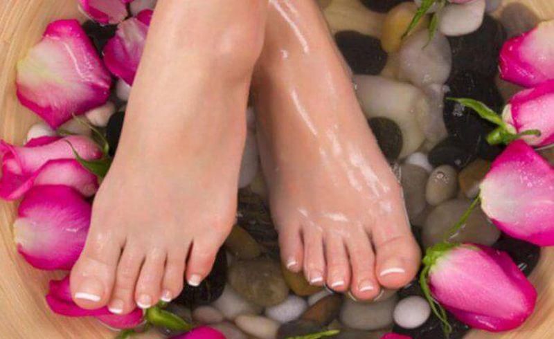 7 Home Remedies To Remove Dark Marks From Feet