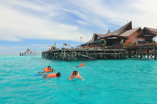 Snorkeling Activity - Derawan Package