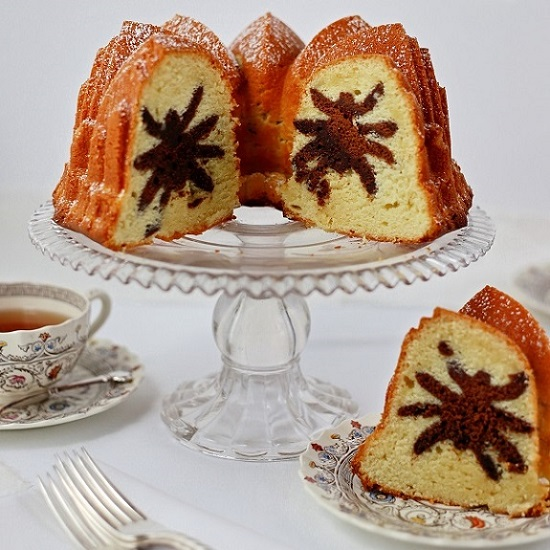 Spider Bundt Cake