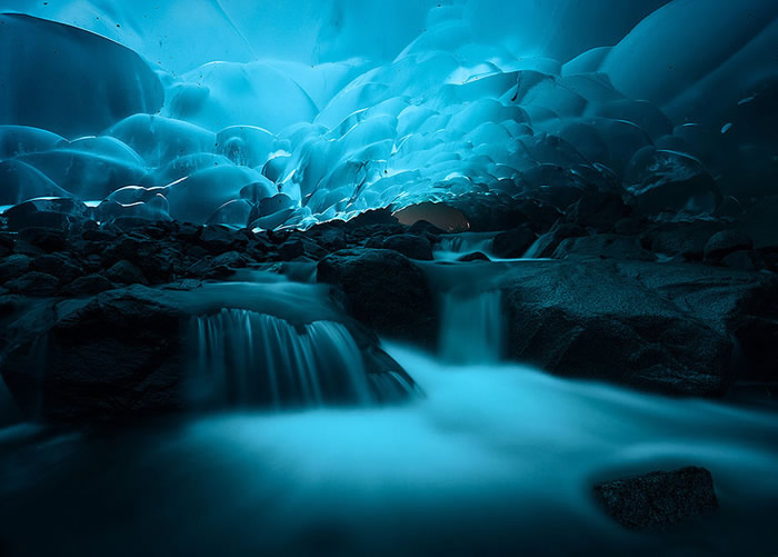 Lugar Espectacular Muy Frío, Las Cuevas de hielo Mendenhall, Alaska 1