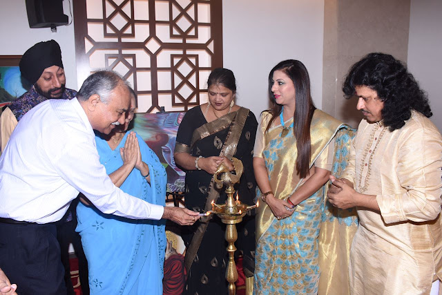 2. Principal Kiran Mangaonkar along with Gurpreet Kaur Chadha, Uma Dhere and Kalinath Mishra lighting the lamp