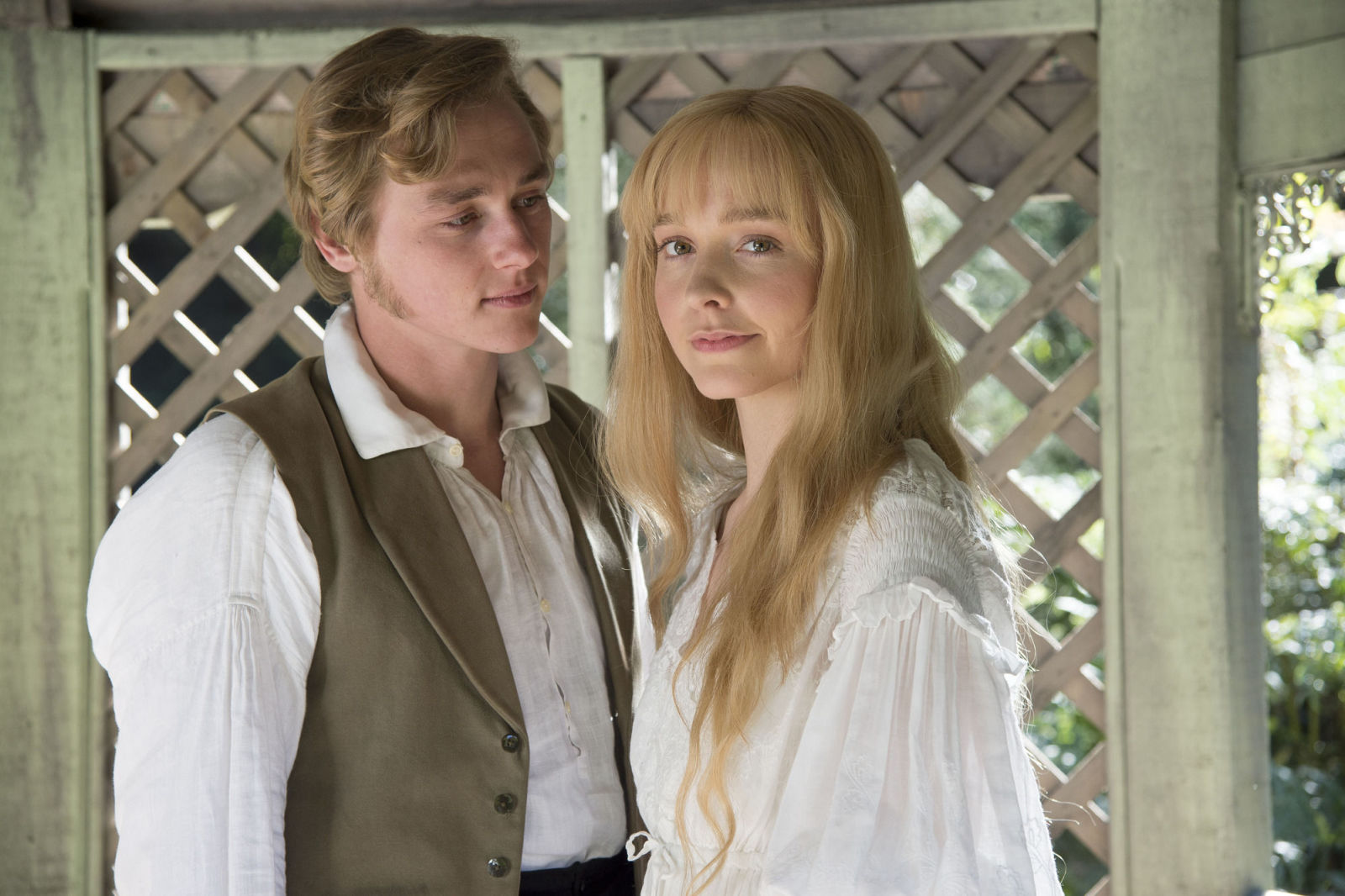 HOLLYWOOD SPY: PERIOD SET MONDAY: NEW CHARACTER PHOTOS FOR