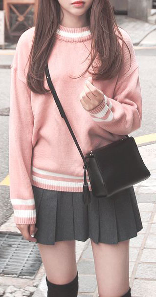 Pretty in pink sweater Outfits #sweateroutfits