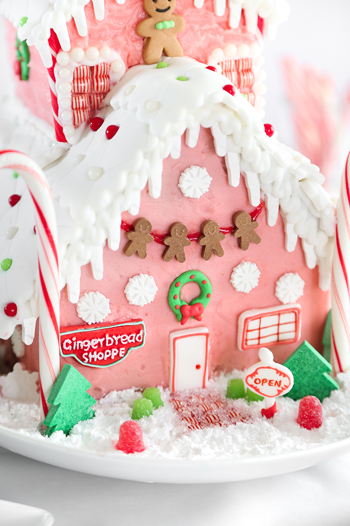 my current favorite holiday colors are pink red and green so i was instantly drawn to the sugar pearls and used them for rooftop decors