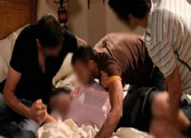 جريمة لا يتصورها اي انسان.. 3 أمهات استدرجن جارتهن وقدموها هدية لأبنائهن لاغتصابها قمن بتصويرها في اوضاع مخلة..جريمة تهز الابدان