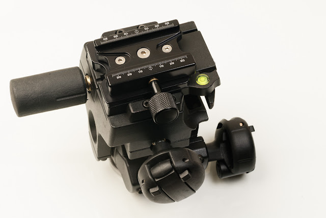 Hejnar PHOTO F63b QR clamp on Manfrotto 400 head - set parallel