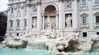 Fontana di Trevi num dia feio!