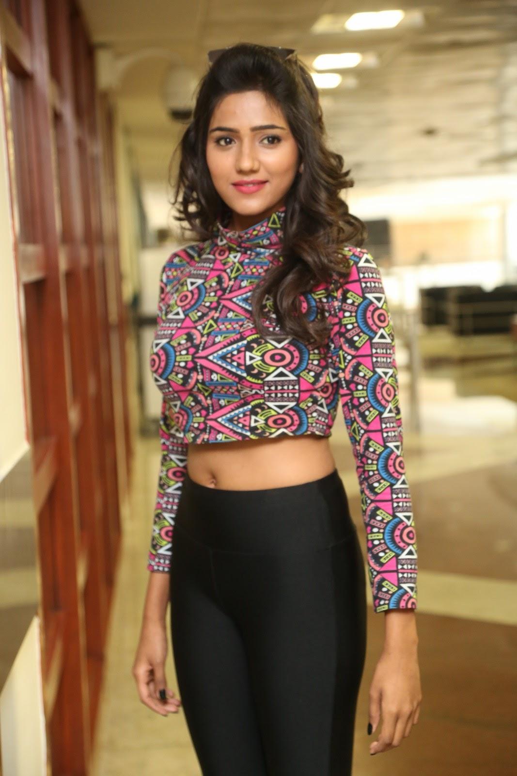 shalu chaurasiya latest sizzling pics-HQ-Photo-8