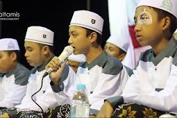 Lirik Terbaru SARJANA (Sarung Aja Kemana-mana) Gus Azmi Syubbanul Muslimin
