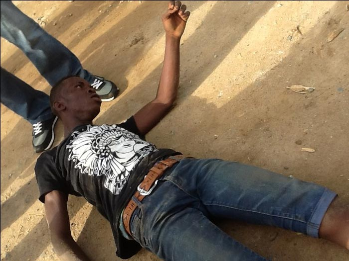 Mob rough-handles 18-year-old who stole laptop in Ikporodu, Lagos State