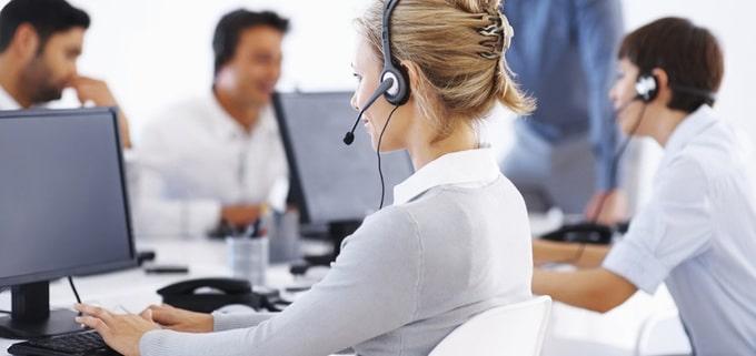 Dialogue en français : Téléphoner à une agence de voyages
