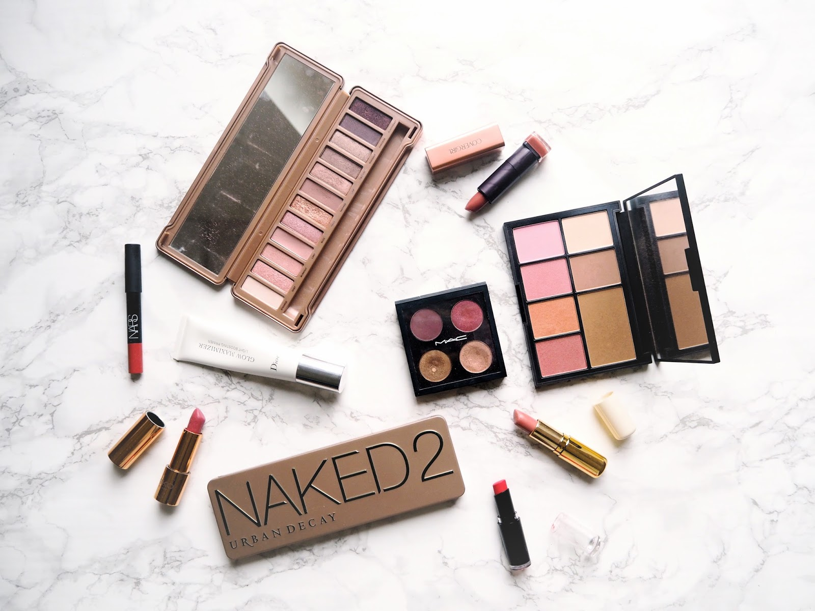 8 Signs You're a Makeup Addict, signs you're addicted to makeup, beauty addict, beauty blogger