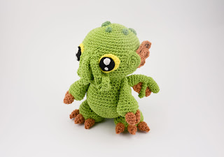 Krawka: Cthulhu baby monster from the abyss - lovecraft inspired crochet pattern by Krawka
