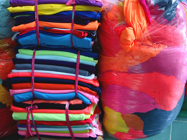bán vải khúc, vải cây poly 4 chiều may váy, đầm