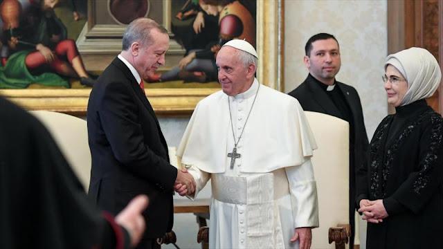 Erdogan se reúne con el papa Francisco en el Vaticano