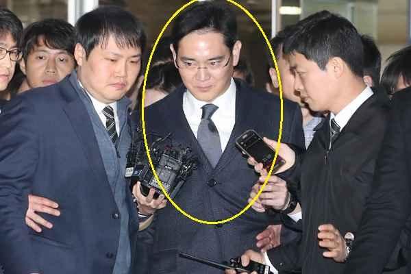 सैमसंग के उत्तराधिकारी ली भ्रष्टाचार के मामले में गिरफ्तार