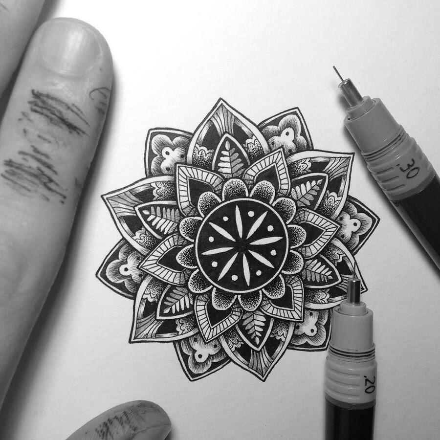 05-Tiny-Mandala-Tyler-Hays-www-designstack-co