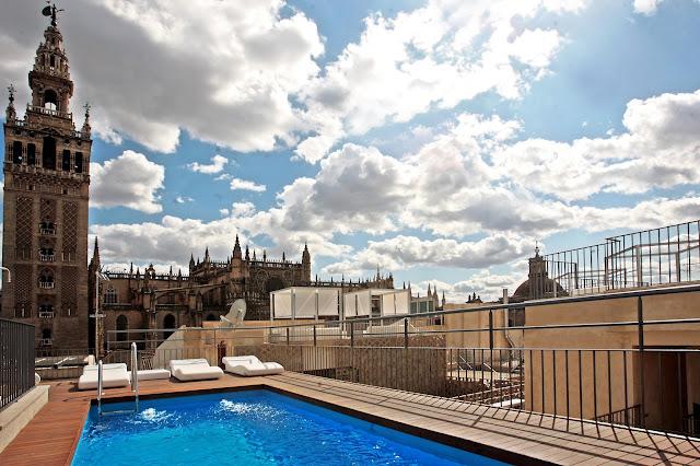 piscina; Calor en sevilla; verano en Sevilla; tiempo en Sevilla
