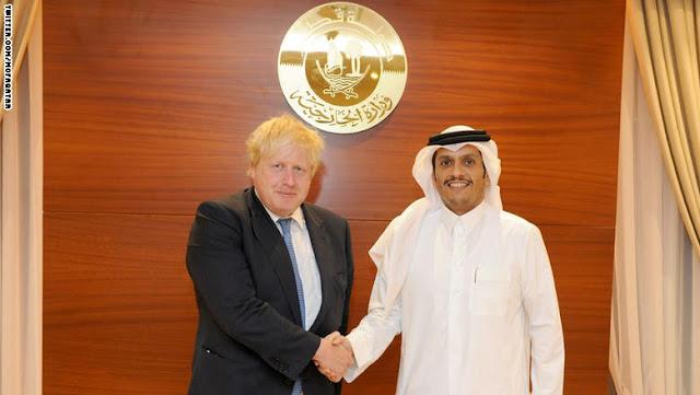 وزير خارجية بريطانيا في قطر.. والدوحة