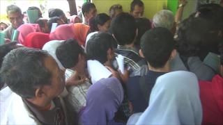 Saling Dorong Kembali Warnai Pengurusan E-KTP di Disdukcapil Jombang