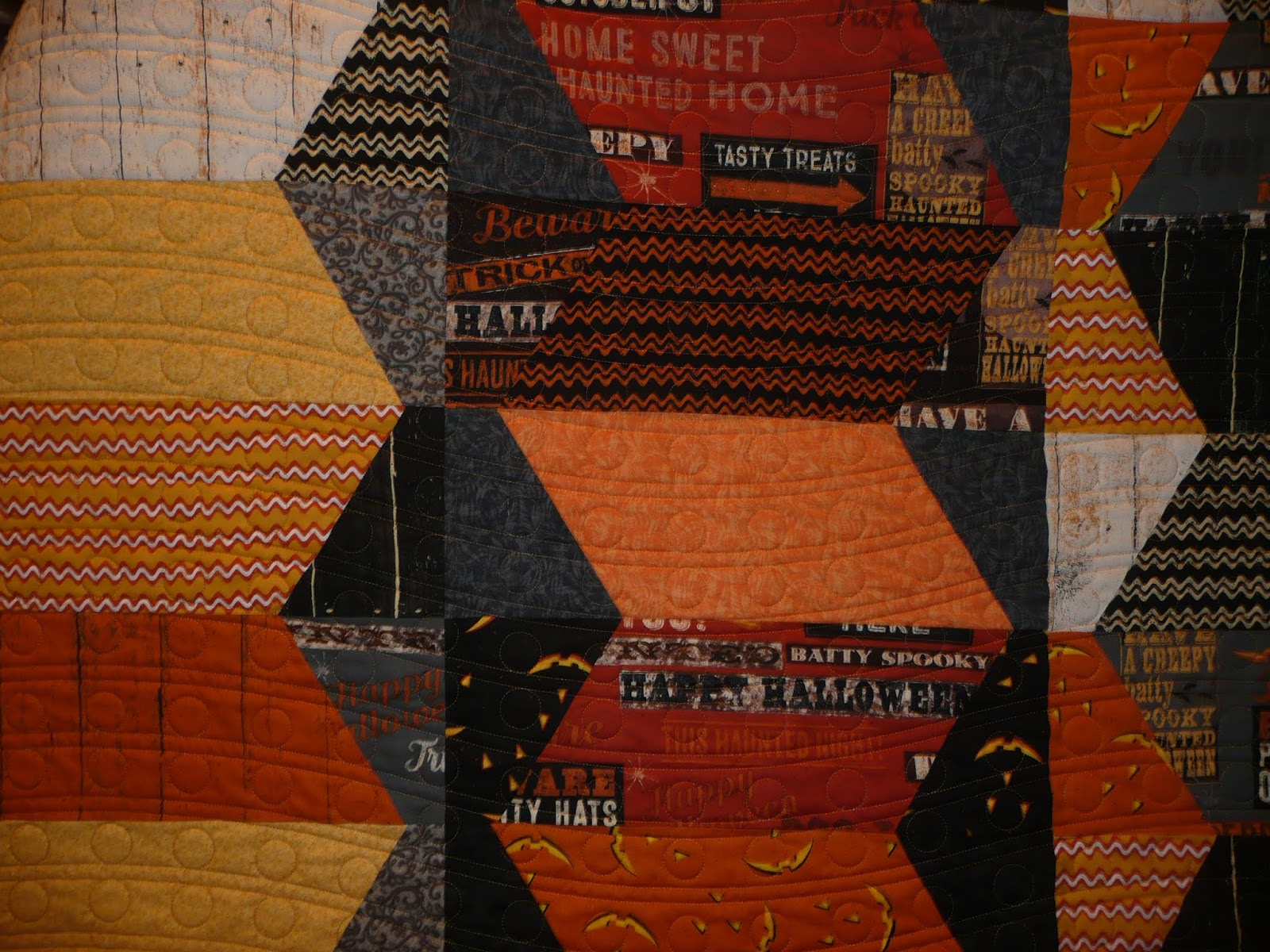Acorn Ridge Quilting: My Jeepers Creepers Quilt