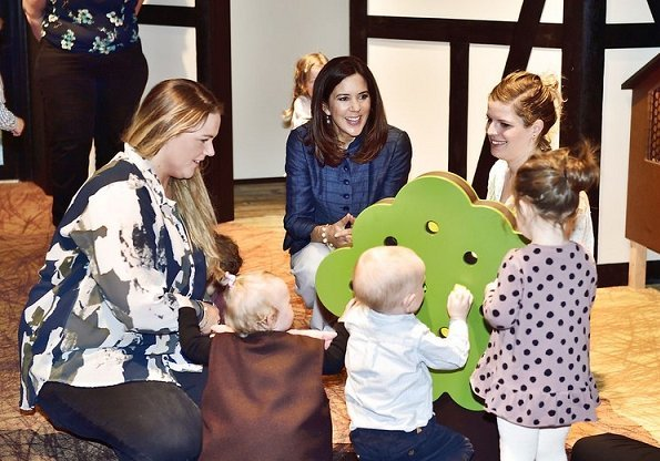 Crown Princess Mary opened Miniverse which is a science exhibition for children at Experimentarium Centre in Hellerup. Miniverse is a science exhibition