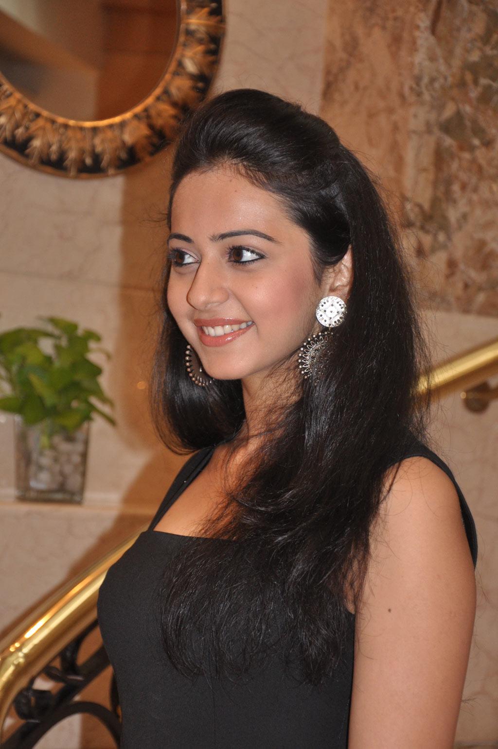 Rakul Preet Singh Gorgeous Photos In Black Dress