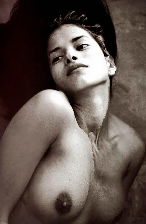 Patricia Velasquez Lesbian 44