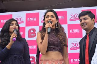 pragya jaiswal bnew mobile store launch 04