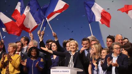Le Pen: Presidenciales son un 'referéndum por o contra Francia'