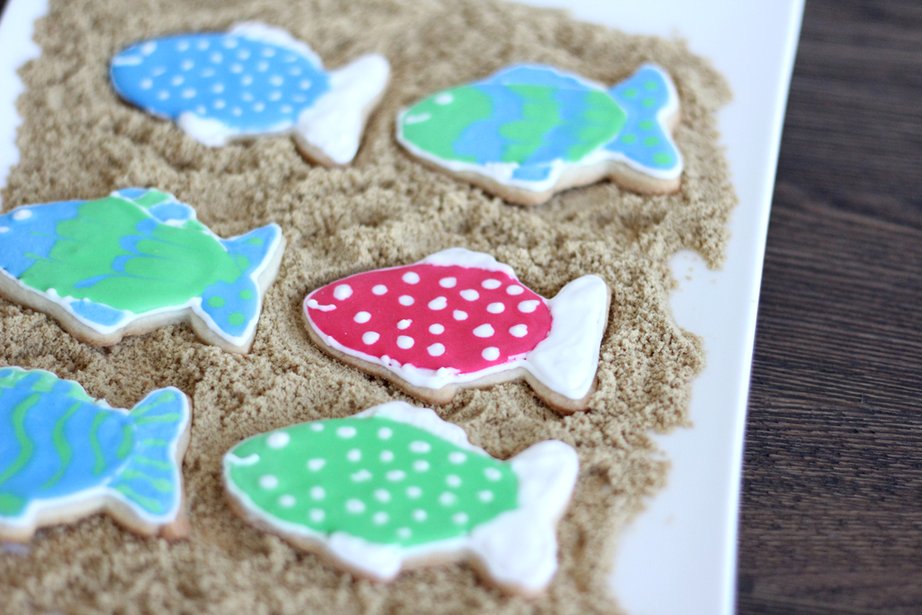 A Delightful Dish  Fish Cookies for Jack  I took a couple of Wilton decorating classes this summer  And I did learn  some great things there  but most things cookie related I have picked up  from
