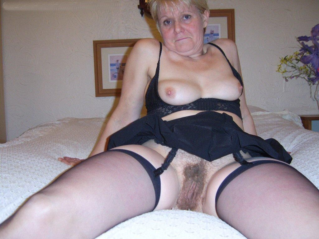 Very old chubby granny playing with couple in bath 4