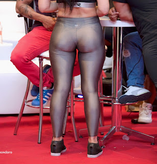 Sexy modelo ropa ajustada