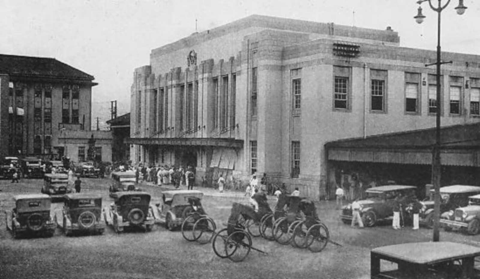 Hiroshima Station, between 1912 and 1945.