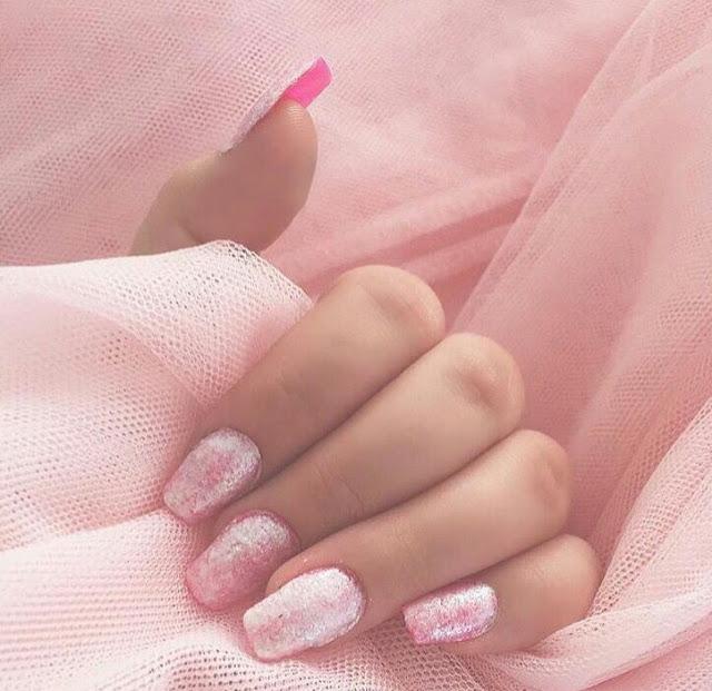 Rose nail arts