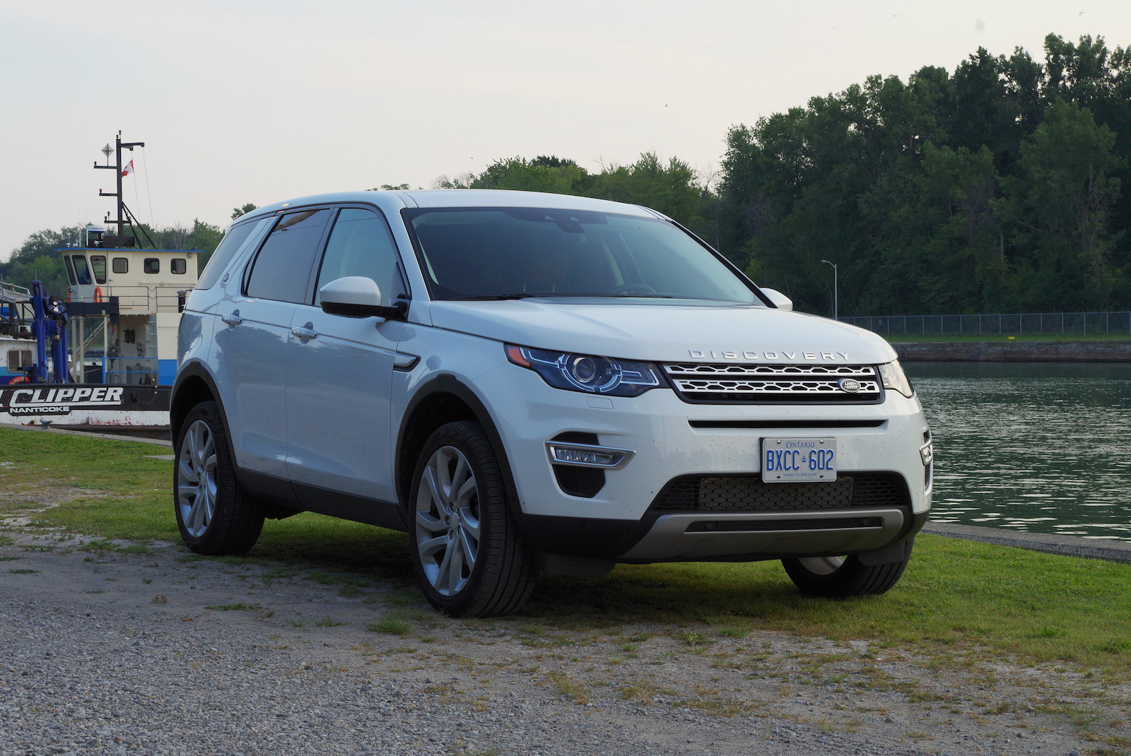 kích thước land rover discovery sport hse luxury 2018 mau trắng