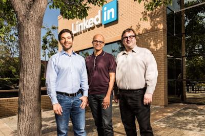 Jeff Weiner (CEO LinkedIn), Satya Nadella (CEO Microsoft, dan Reid Hoffman (Co-Founder dan Chairman LinkedIn)