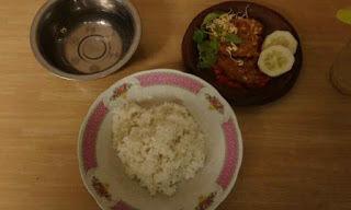 Pondok tempe penyet Bu Trisno warung tempe penyet Bu Trisno kedai tempe penyet Bu Trisno Makanan khas Bojonegoro Kuliner Bojonegoro