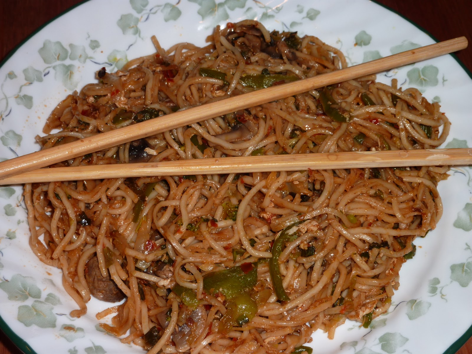 My onesided affair with food: Spicy Noodles ( Indo chinese fusion)