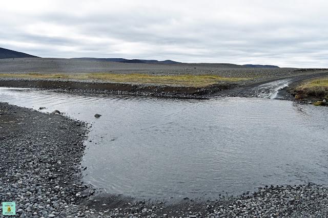 Río para llegar al volcán Askja, Islandia
