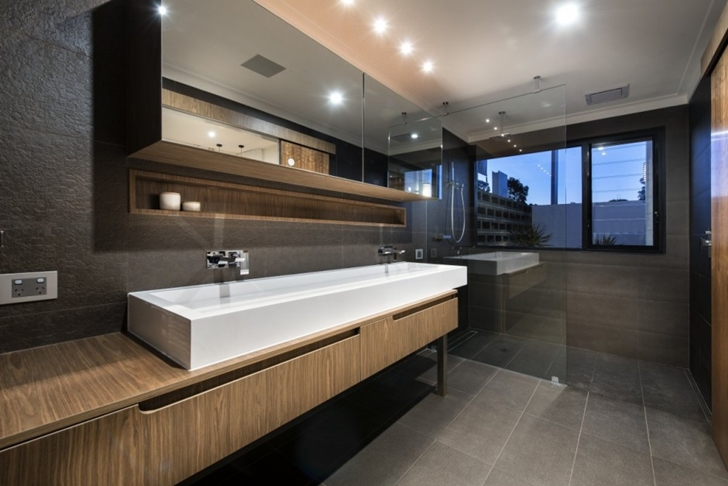 Dark bathroom in The Warehaus by Residential Attitudes