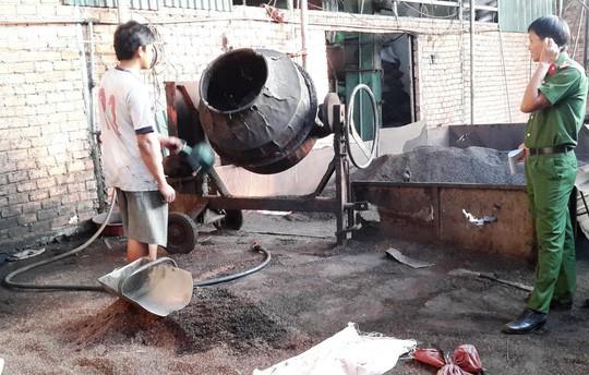 cơ sở sản xuất cà phê bẩn bị phát hiện