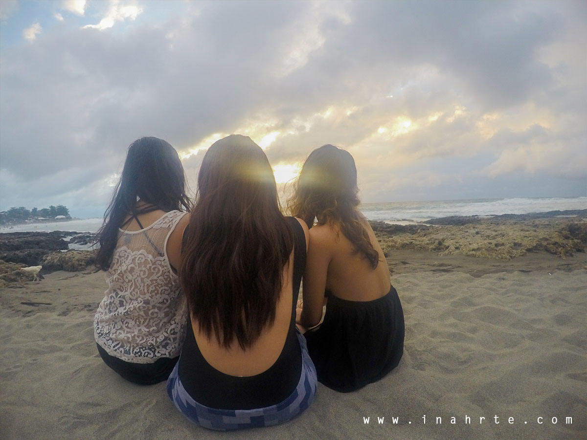 Sunset Beach Photo La Union