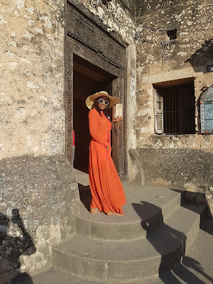 perfect orange maxi dress for summer
