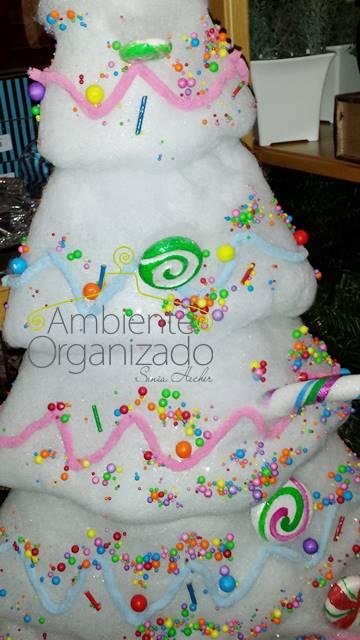 Árvore de Natal com algodão e doces