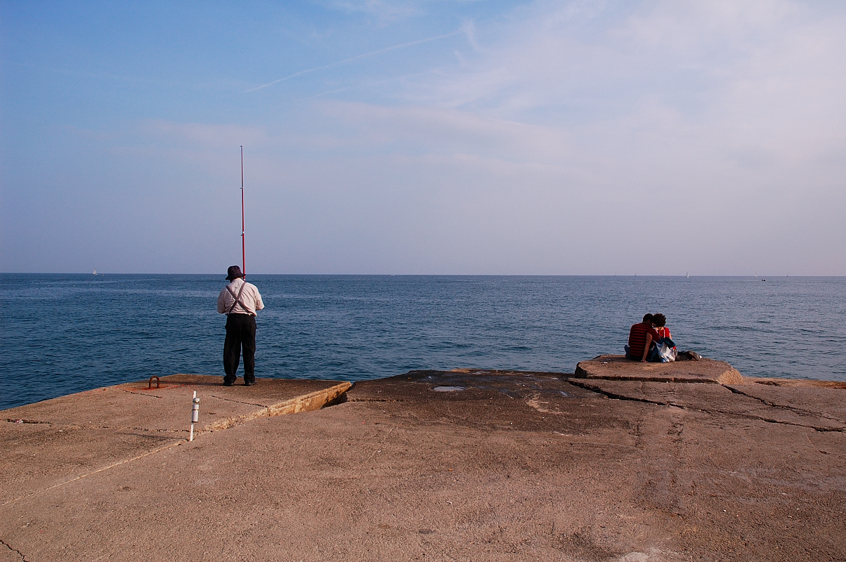 Fisherman and Couple: Bogatell beach, Barcelona