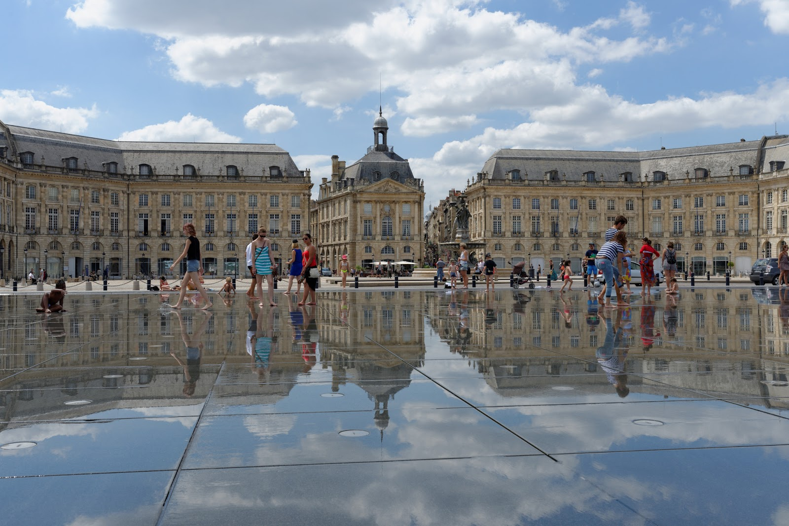 bordeaux miroir d'eau people water mirror