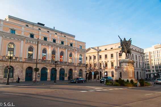 Plaza del Cid. Que ver un dia en Burgos