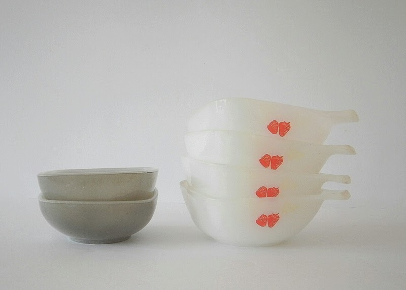 Crown Pyrex strawberry ramikins 1970s with Agee Pyrex grey ramikins from the 60s